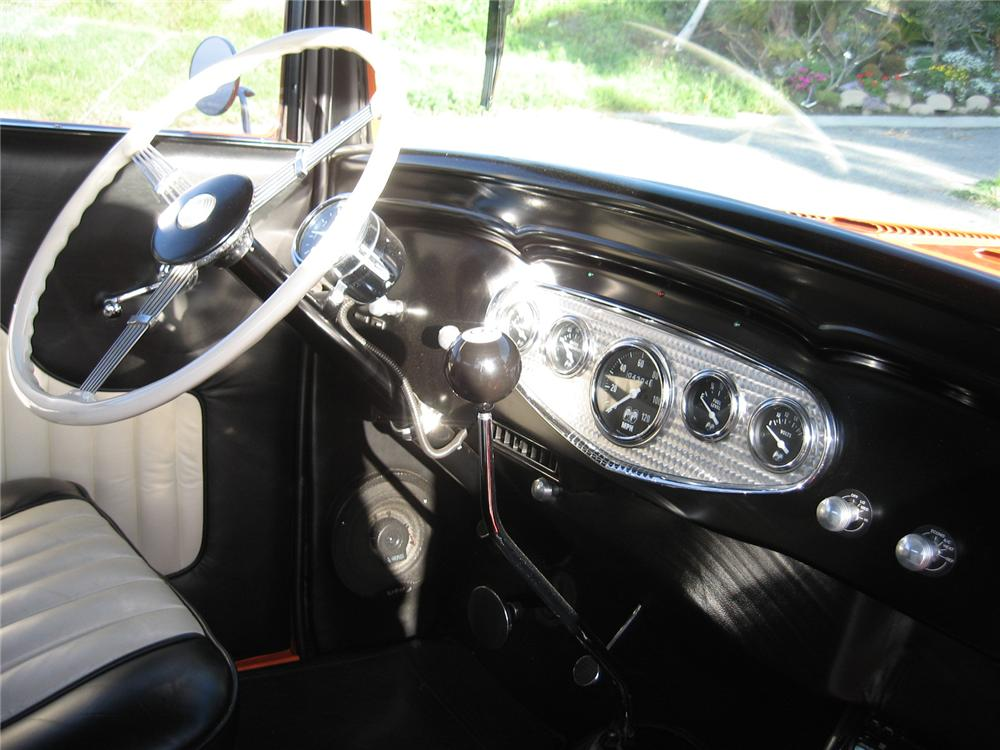 1932 CHEVROLET 2 DOOR CUSTOM SEDAN - Interior - 113122