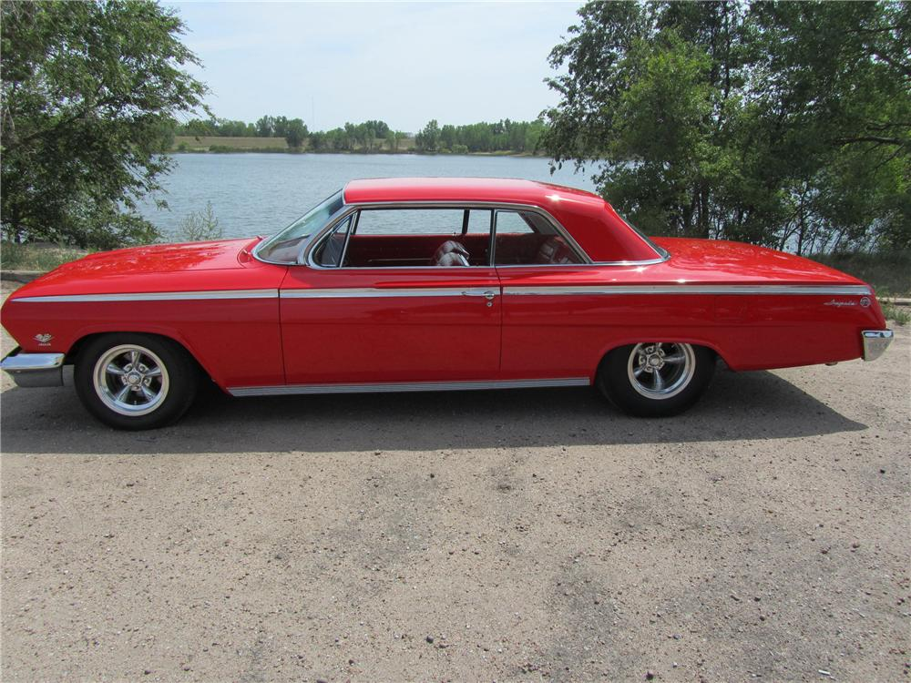 1962 CHEVROLET IMPALA SS CUSTOM 2 DOOR HARDTOP - Side Profile - 113206