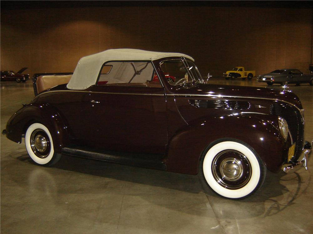 1938 FORD CONVERTIBLE COUPE - Side Profile - 113211