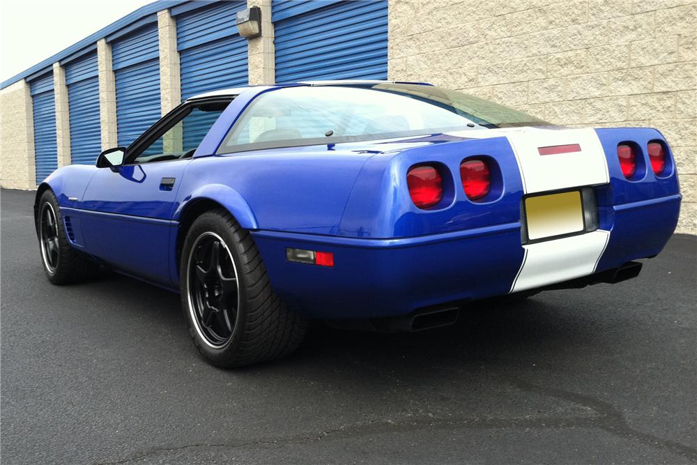 1996 CHEVROLET CORVETTE 2 DOOR COUPE - Rear 3/4 - 113221