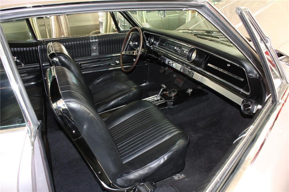 1965 CHEVROLET IMPALA SS 2 DOOR COUPE - Interior - 113226