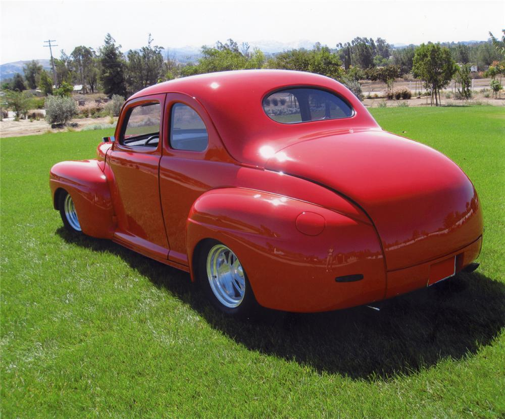 1948 FORD CUSTOM COUPE - Rear 3/4 - 113228