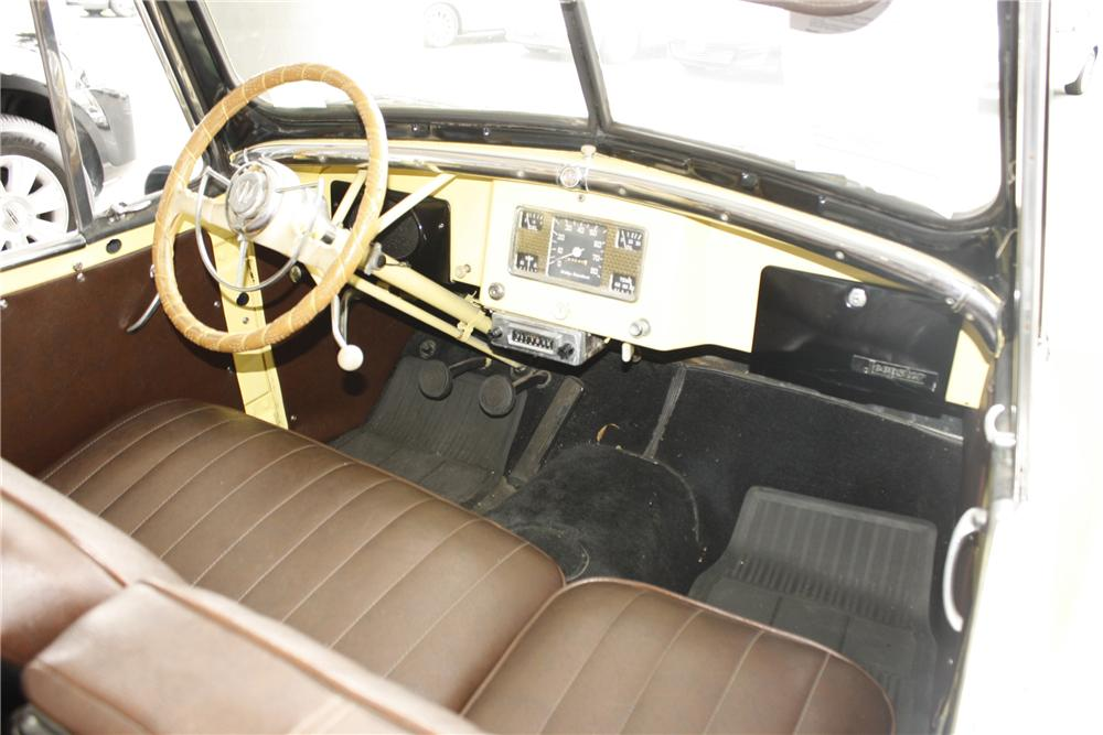 1949 WILLYS JEEPSTER CONVERTIBLE - Interior - 113236