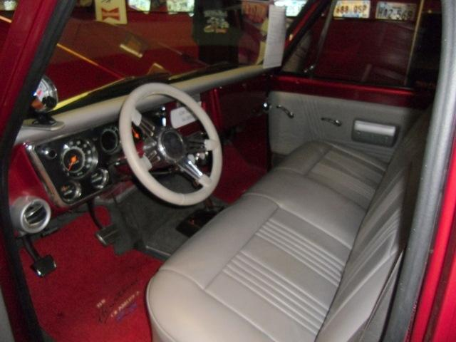 1969 CHEVROLET C-10 CUSTOM PICKUP - Interior - 113379
