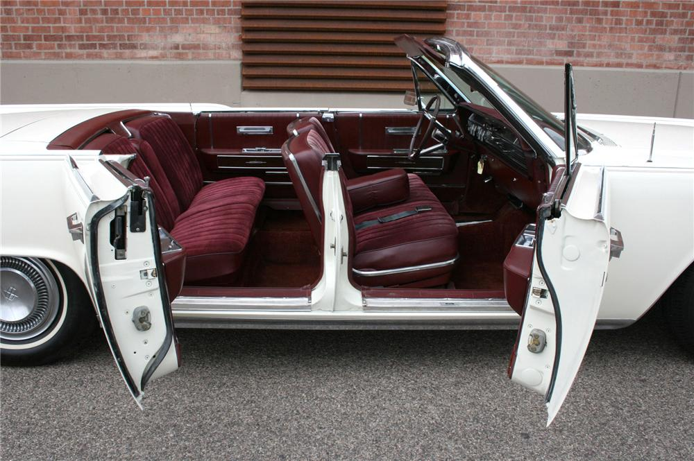 1964 LINCOLN CONTINENTAL 4 DOOR CONVERTIBLE - Interior - 113386