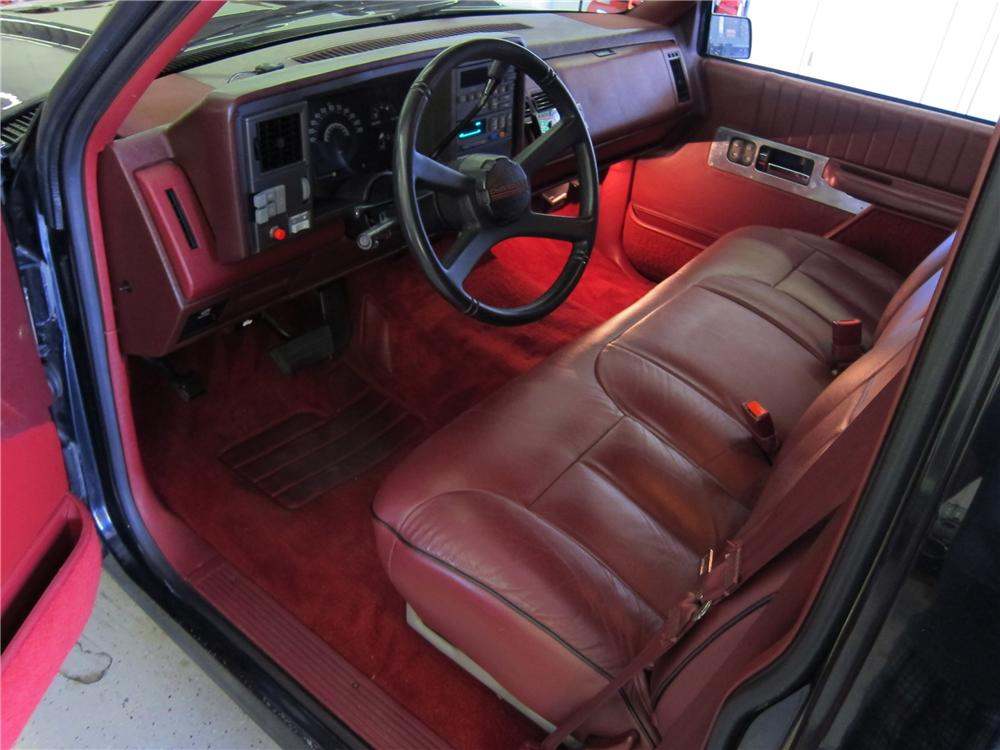 1990 CHEVROLET 454SS CUSTOM PICKUP - Interior - 113391