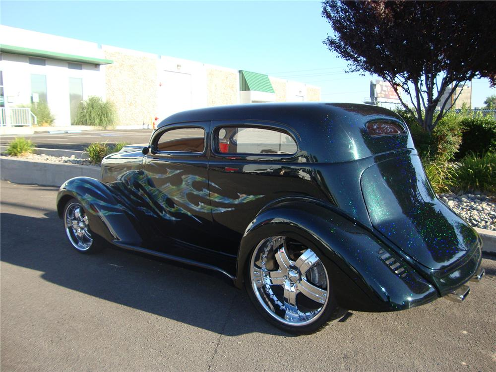 1935 DODGE CUSTOM 2 DOOR SEDAN - Rear 3/4 - 113402