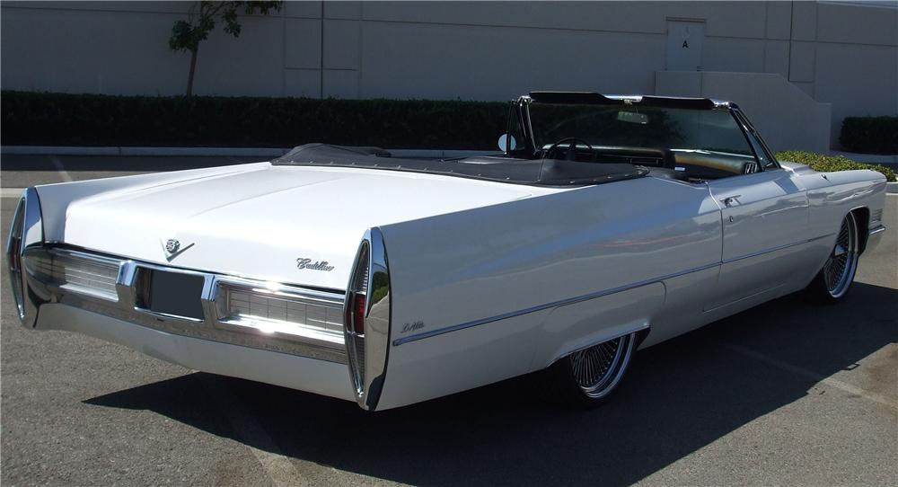 1967 CADILLAC DE VILLE CUSTOM CONVERTIBLE - Rear 3/4 - 113441