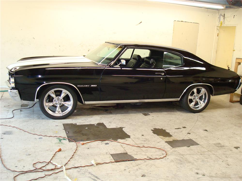1971 CHEVROLET CHEVELLE MALIBU CUSTOM 2 DOOR COUPE - Side Profile - 113454