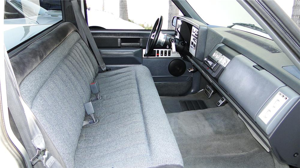 1988 GMC CUSTOM PICKUP - Interior - 113460