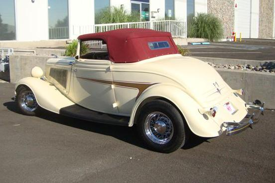 1934 FORD CUSTOM CABRIOLET - Rear 3/4 - 113475