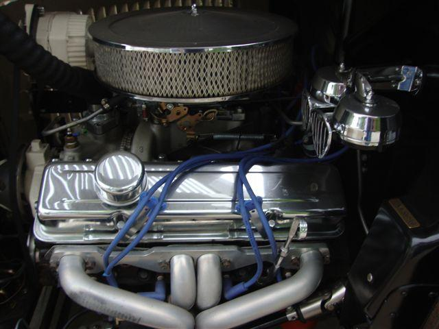 1932 FORD CUSTOM ROADSTER - Engine - 113476