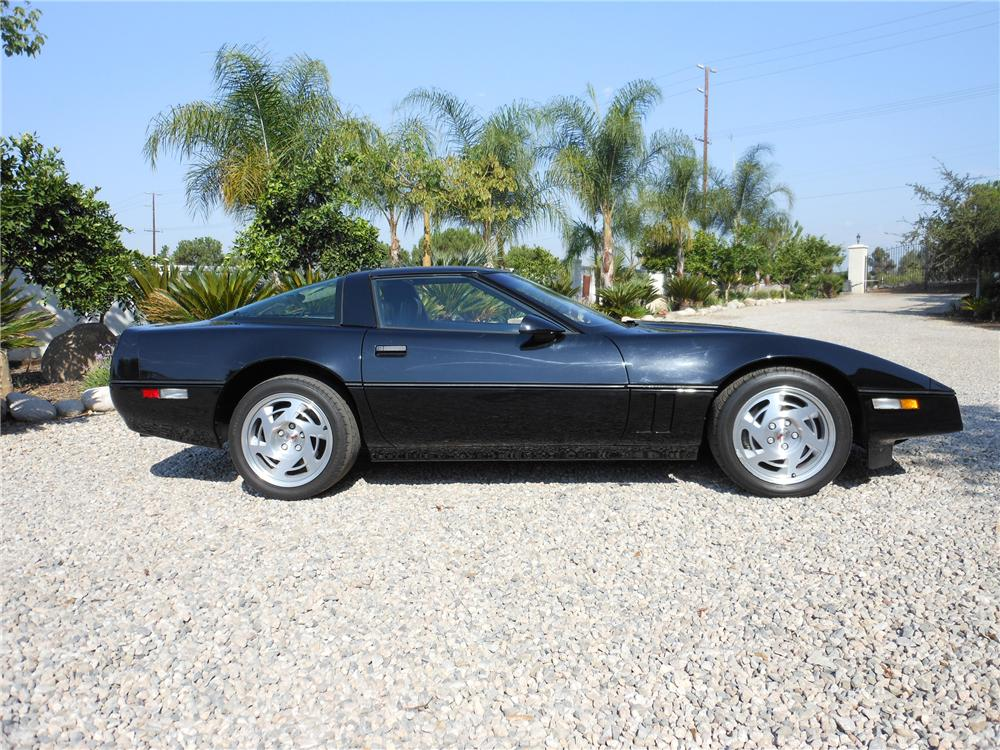 1990 CHEVROLET CORVETTE 2 DOOR COUPE - Side Profile - 113614