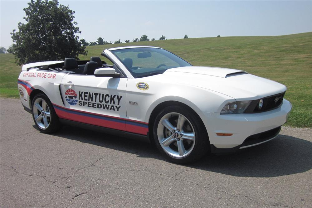 2012 FORD MUSTANG GT CONVERTIBLE - Front 3/4 - 113850