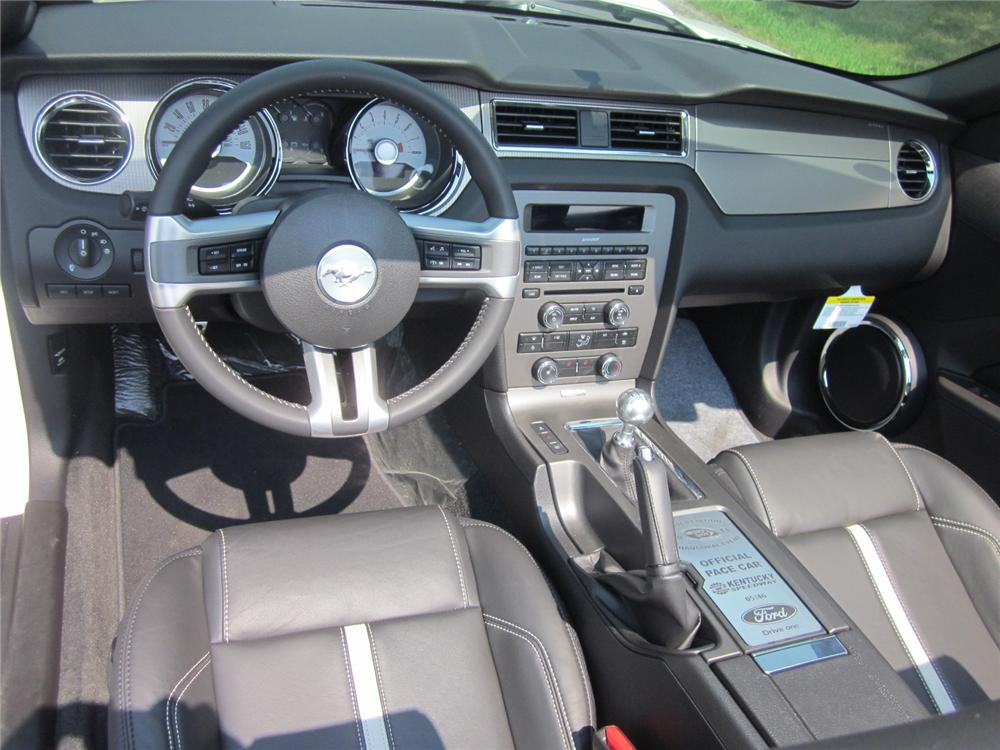 2012 FORD MUSTANG GT CONVERTIBLE - Interior - 113850