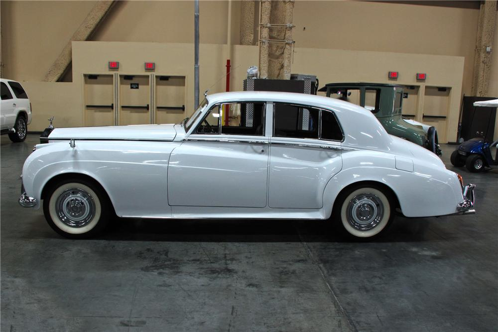 1961 ROLLS-ROYCE SILVER CLOUD II SALOON - Side Profile - 114574