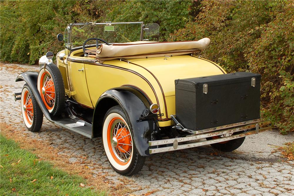 1931 FORD MODEL A ROADSTER - Rear 3/4 - 115893