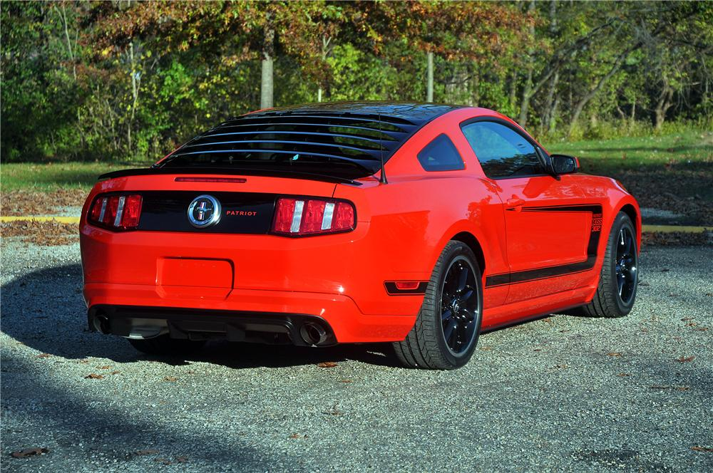 2012 FORD MUSTANG BOSS 302 COUPE - Rear 3/4 - 115922