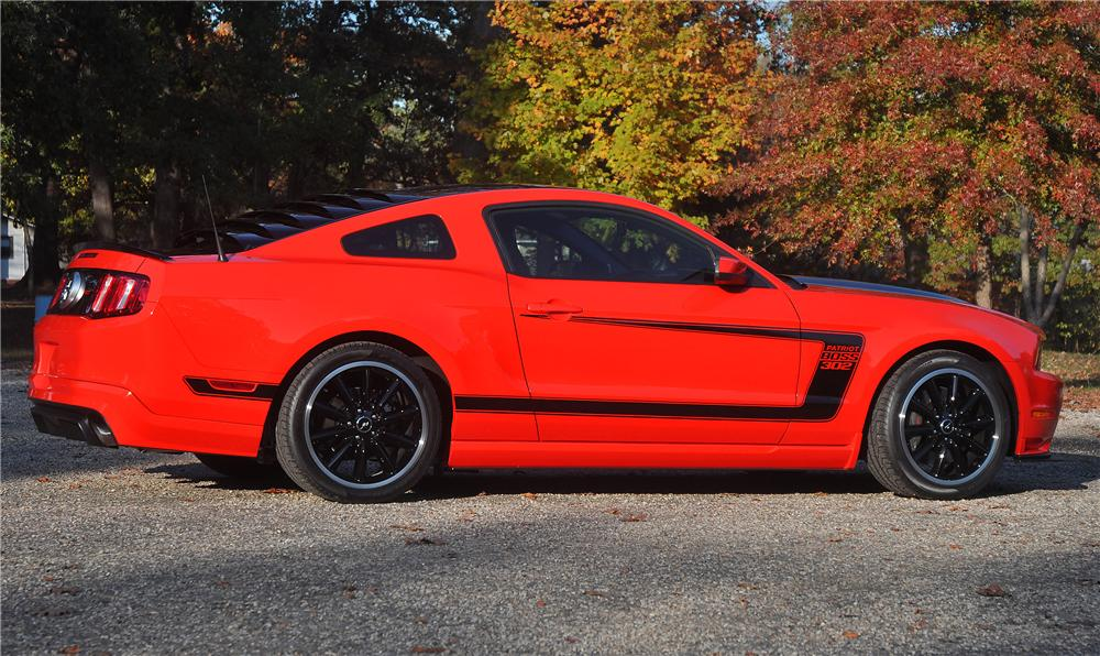 2012 FORD MUSTANG BOSS 302 COUPE - Side Profile - 115922