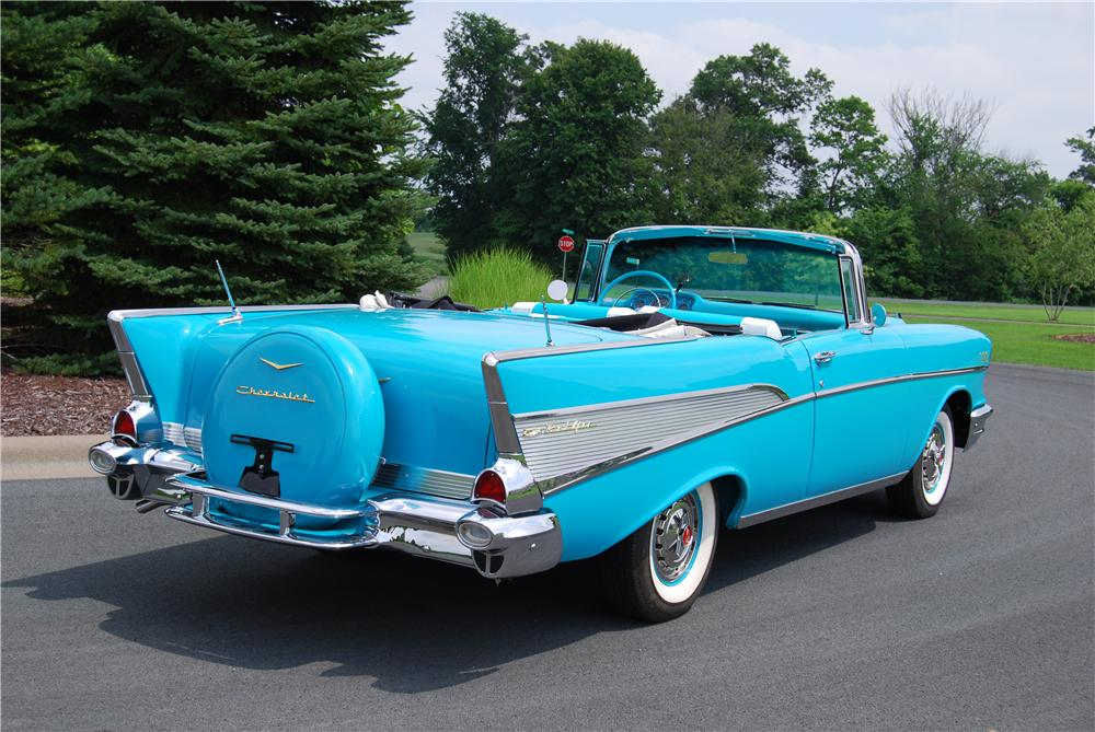 1957 CHEVROLET BEL AIR CONVERTIBLE - Rear 3/4 - 115923