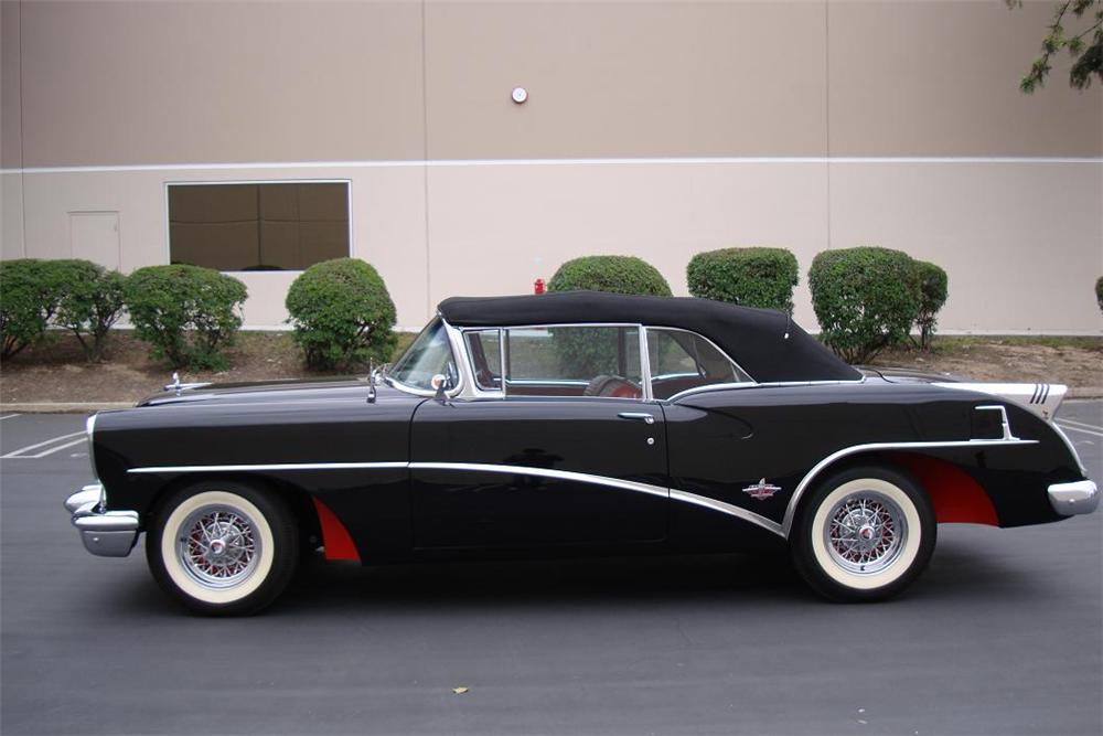 1954 BUICK SKYLARK CONVERTIBLE - Side Profile - 115932