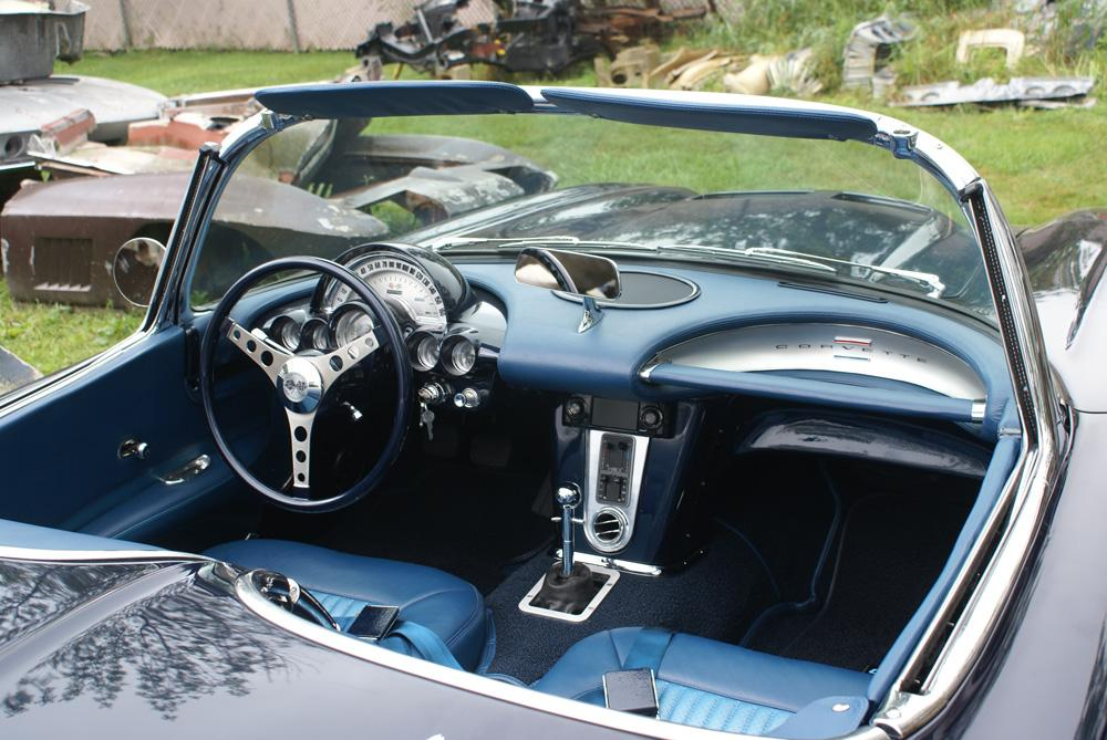 1962 CHEVROLET CORVETTE CUSTOM CONVERTIBLE - Interior - 115933
