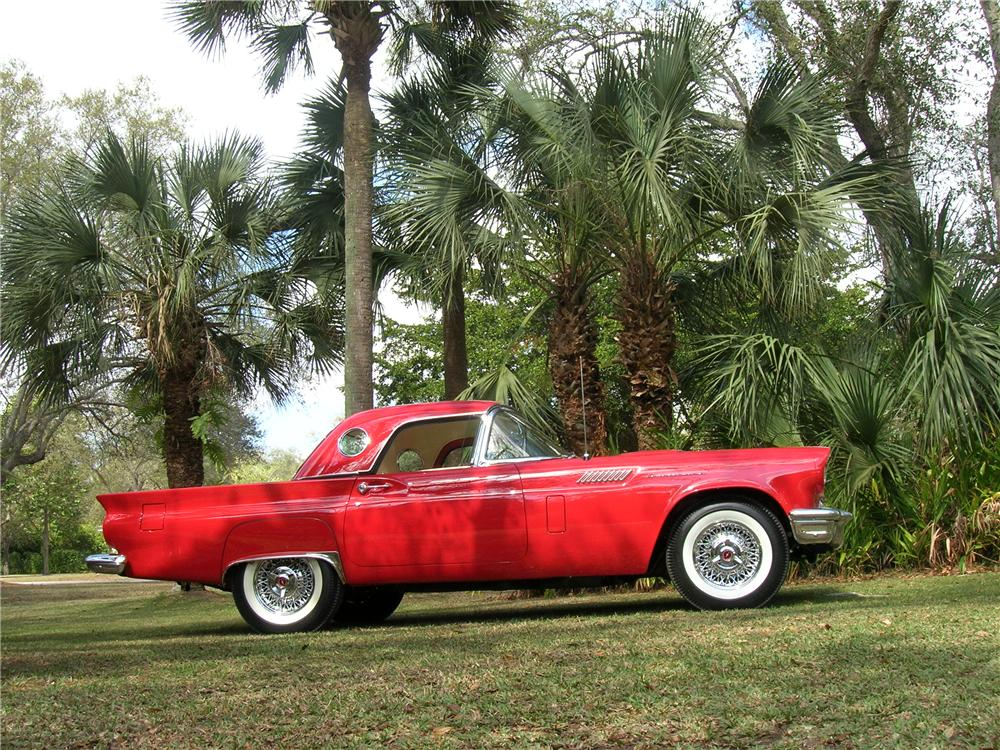 1957 FORD THUNDERBIRD CONVERTIBLE - Side Profile - 115949