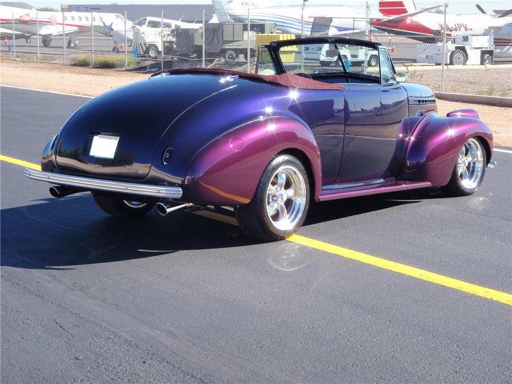 1940 CHEVROLET CUSTOM CABRIOLET - Rear 3/4 - 115968