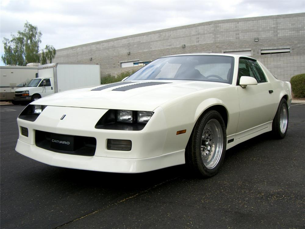 1988 CHEVROLET CAMARO IROC Z/28 CUSTOM 2 DOOR COUPE - Front 3/4 - 115985