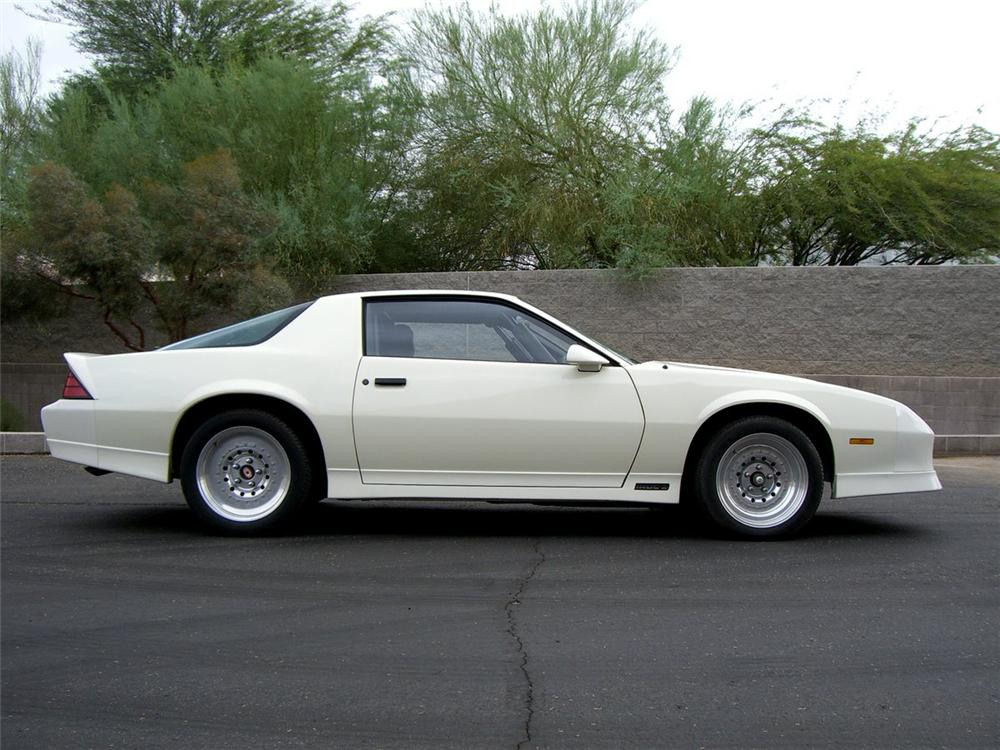 1988 CHEVROLET CAMARO IROC Z/28 CUSTOM 2 DOOR COUPE - Side Profile - 115985