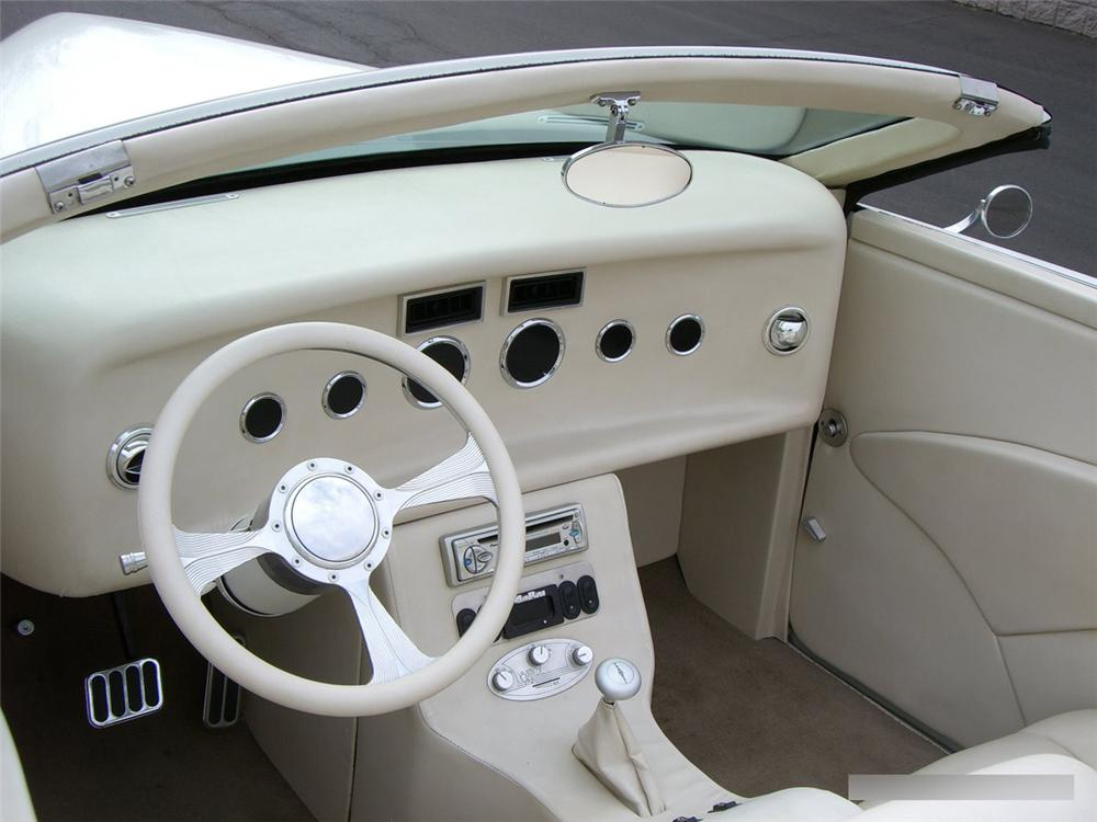 1939 LINCOLN ZEPHYR CONVERTIBLE - Interior - 115996