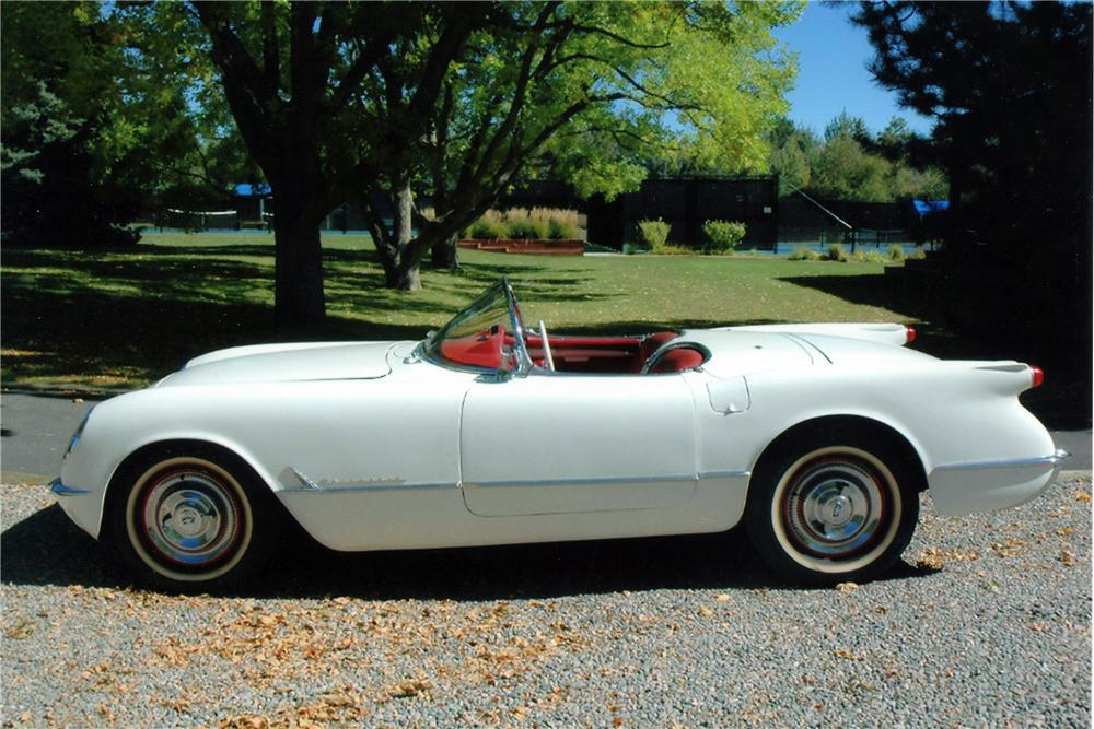 1954 CHEVROLET CORVETTE CONVERTIBLE - Front 3/4 - 116012