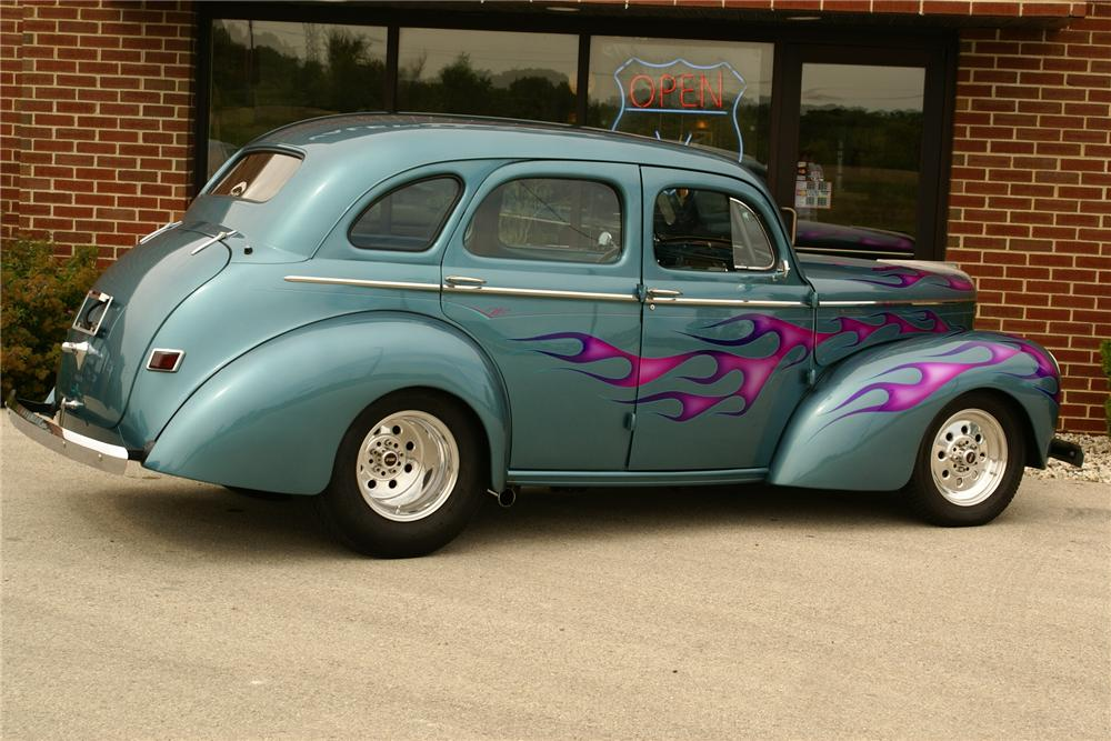 1941 WILLYS AMERICAR CUSTOM 4 DOOR SEDAN - Side Profile - 116013