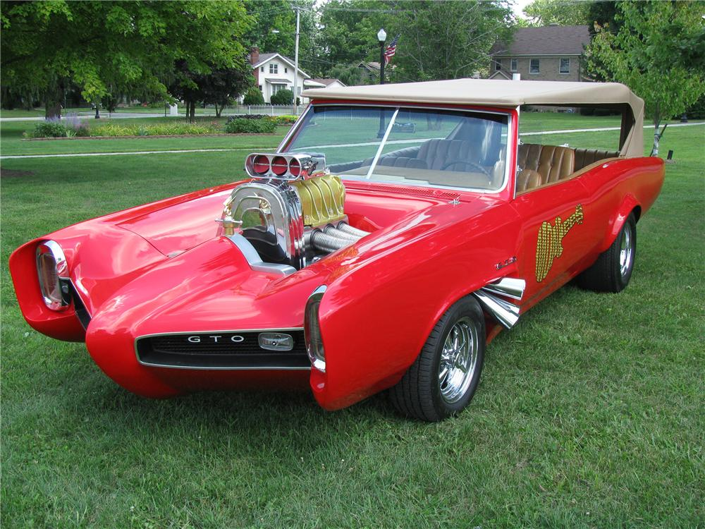 1966 PONTIAC MONKEES CAR REPLICA - Front 3/4 - 116021
