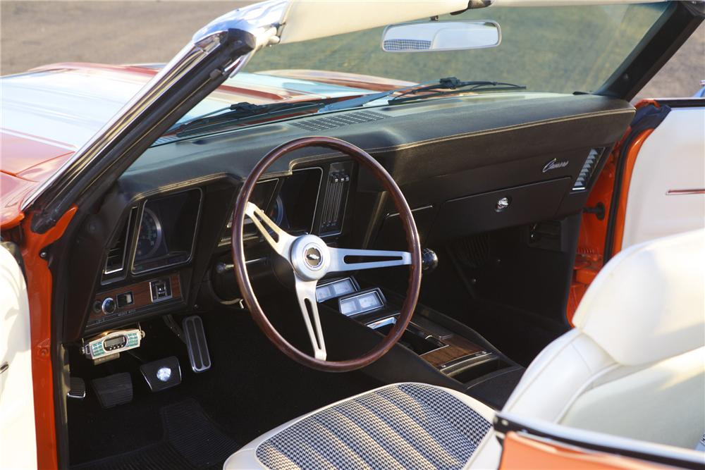 1969 CHEVROLET CAMARO CUSTOM CONVERTIBLE - Interior - 116024