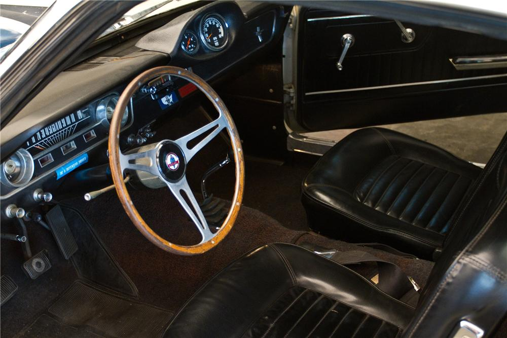 1965 SHELBY GT350 FASTBACK - Interior - 116028