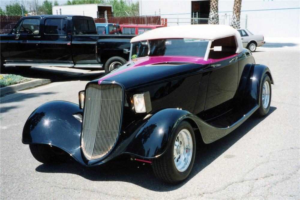 1934 FORD CUSTOM ROADSTER - Front 3/4 - 116029