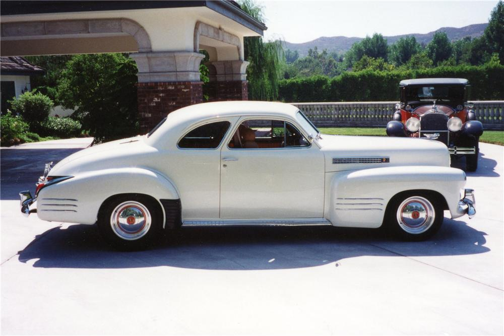 1941 CADILLAC CUSTOM DELUXE COUPE - Side Profile - 116030