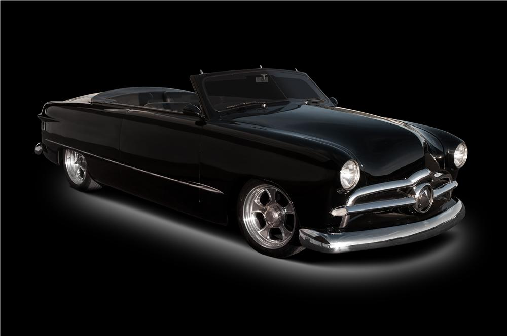 1949 FORD CUSTOM - Front 3/4 - 116031