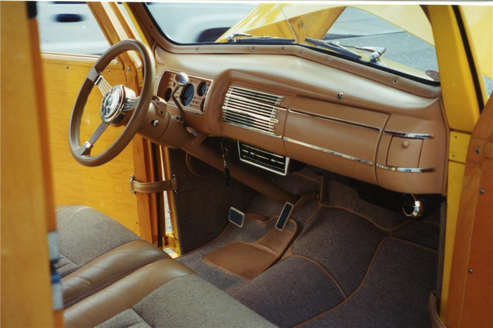 1940 FORD CUSTOM WOODY - Interior - 116032