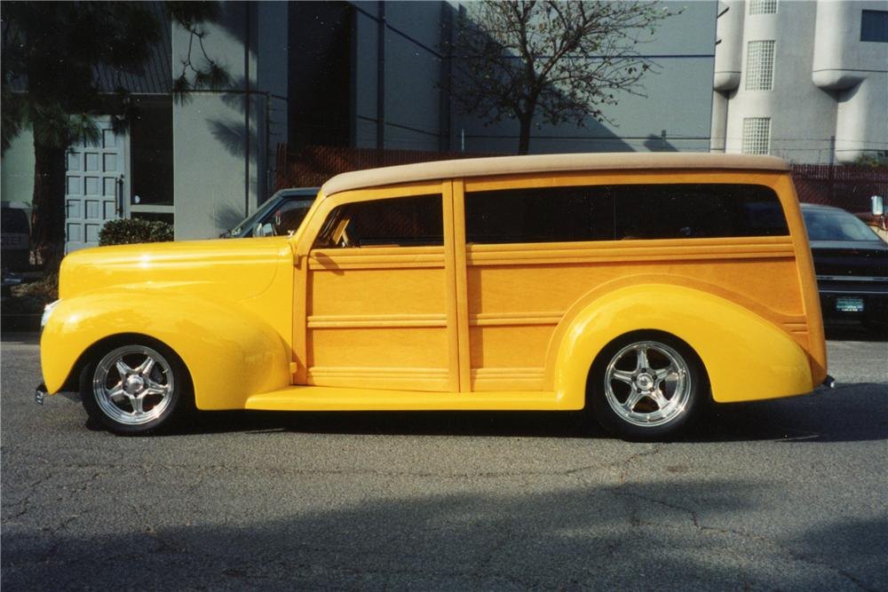 1940 FORD CUSTOM WOODY - Side Profile - 116032