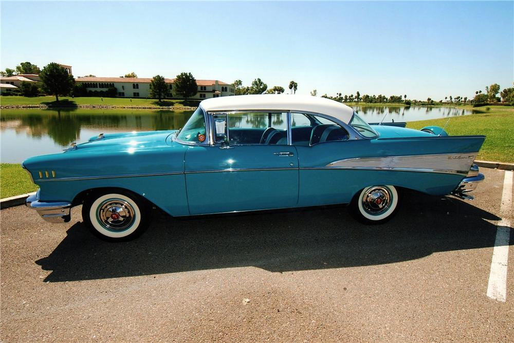 1957 CHEVROLET BEL AIR 2 DOOR HARDTOP - Side Profile - 116039