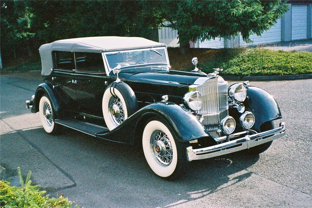 1934 PACKARD 1104 DIETRICH CONVERTIBLE SEDAN - Front 3/4 - 116045