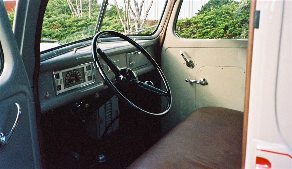 1940 FORD PICKUP - Interior - 116048