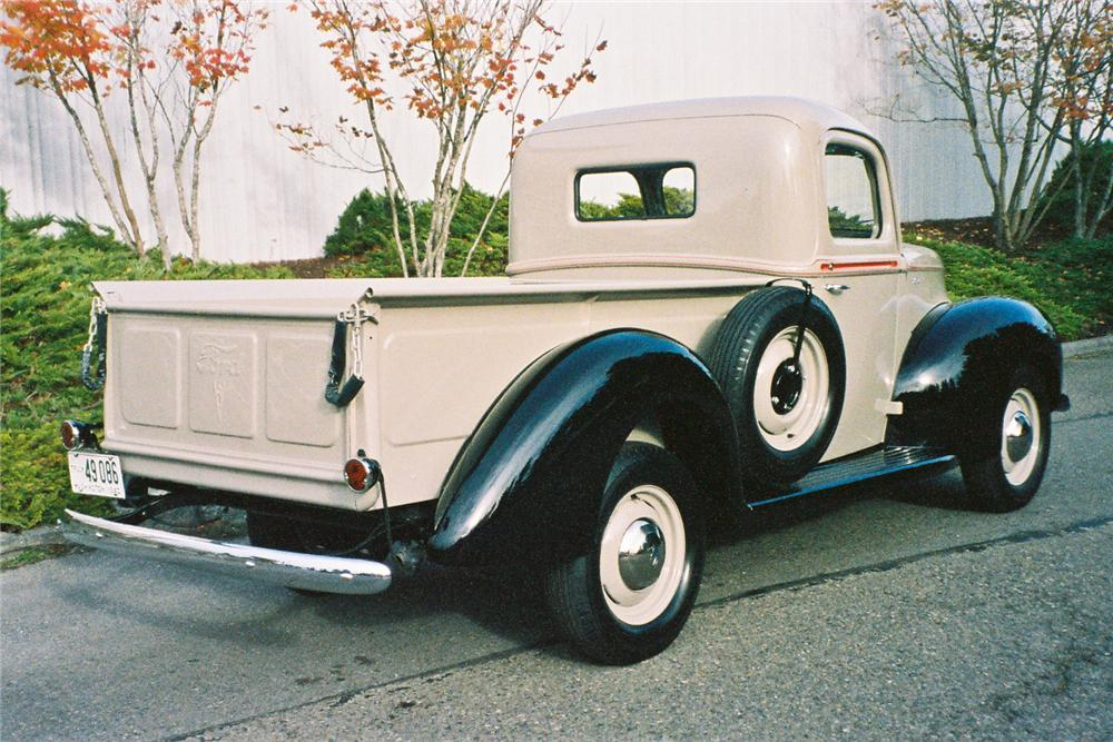 1940 FORD PICKUP - Rear 3/4 - 116048