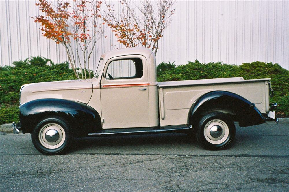 1940 FORD PICKUP - Side Profile - 116048