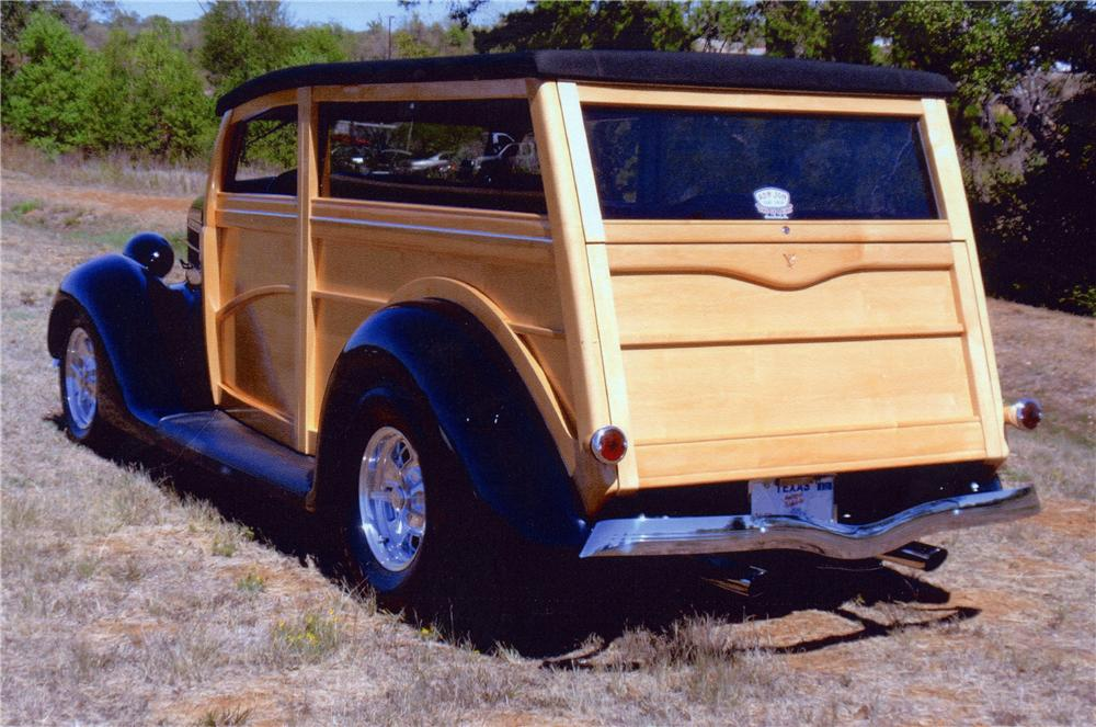 1936 FORD CUSTOM WOODY WAGON - Rear 3/4 - 116050