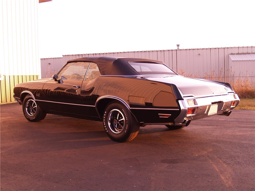 1971 OLDSMOBILE 442 CONVERTIBLE - Rear 3/4 - 116058