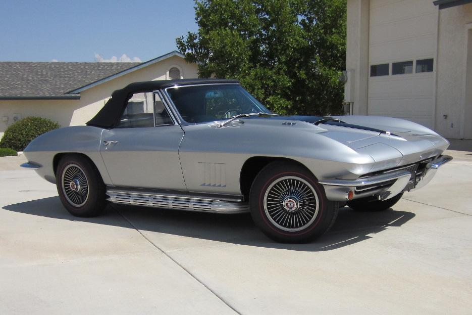 1967 CHEVROLET CORVETTE CONVERTIBLE - Front 3/4 - 116069
