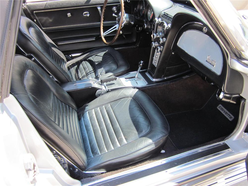 1967 CHEVROLET CORVETTE CONVERTIBLE - Interior - 116069
